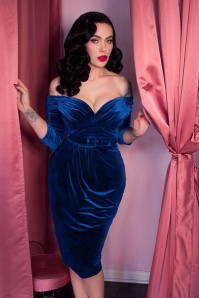 Vixen by Micheline Pitt Starlett Pencil in Navy Velvet 100 31 23883 20171208 0018c