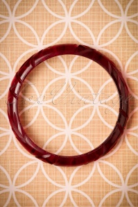 TopVintage Exclusive ~ Eileen Carved Bangle Années 30 en Rouge
