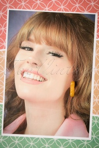 The Pink Bungaloo Carved Hoop earring yellow 333 80 23893 12122017 004W