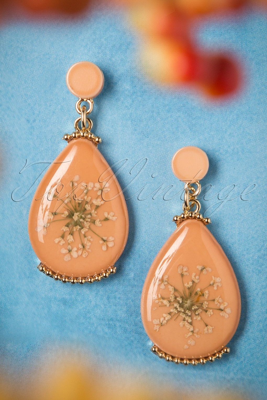 1960s Jewelry – 1960s Style Necklaces, Earrings, Rings, Bracelets 70s Wild Flower Earrings in Salmon Orange £22.02 AT vintagedancer.com