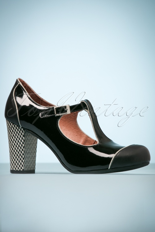 2b4c81f0ffbaf 60s Leather Mary Jane Pumps in Black
