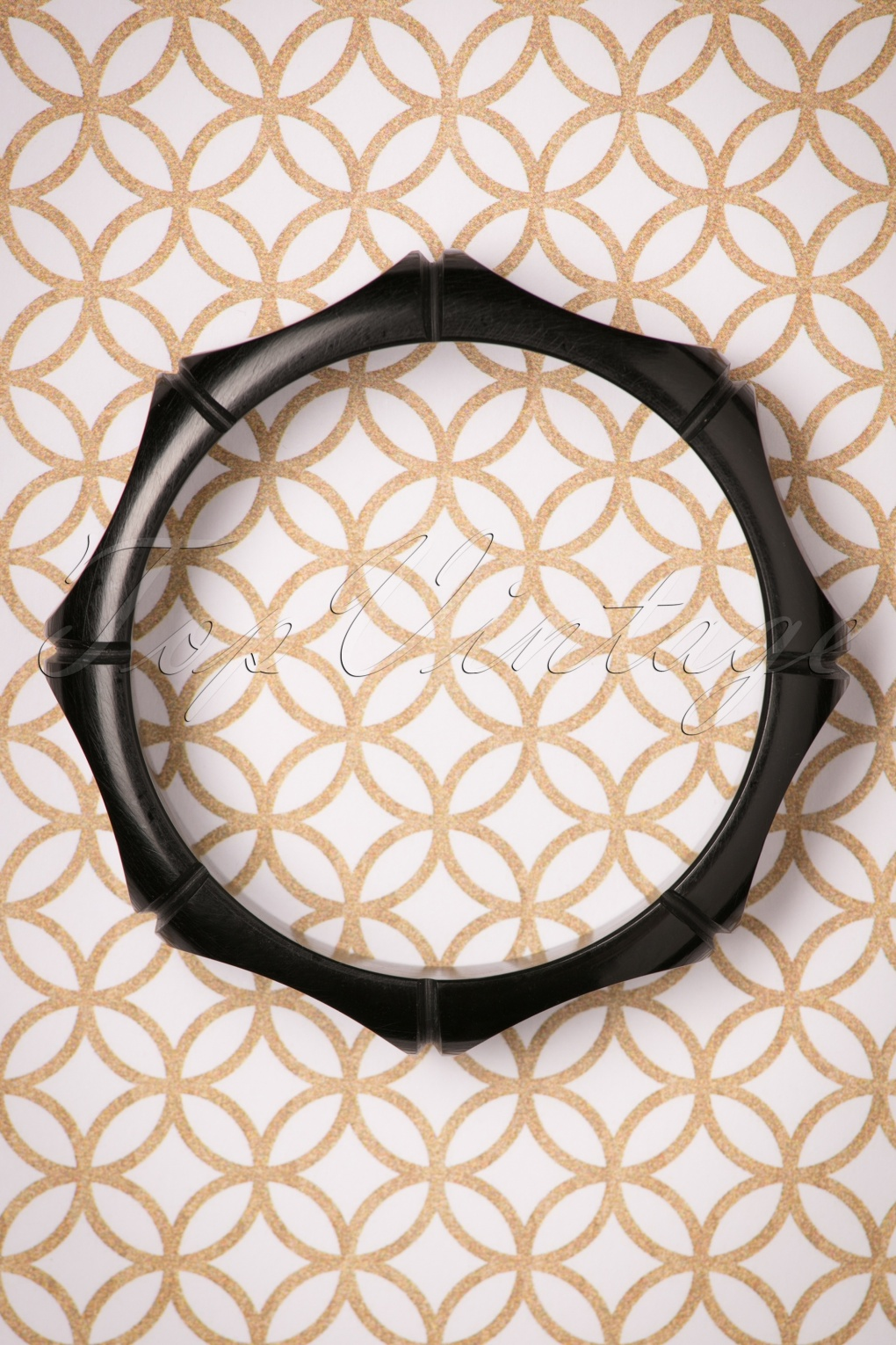 1930s Jewelry Styles and Trends TopVintage Exclusive  30s Octavia Bangle in Black £12.22 AT vintagedancer.com