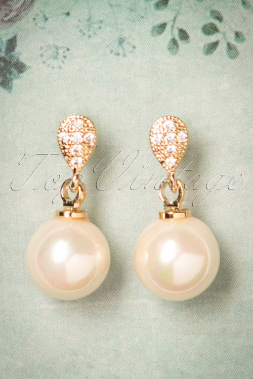 Viva by Tendenza Viva Classic Pearl Earrings 334 91 24387 20171221 0009w