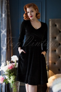 Dolly and Dotty  Black Velvet Swing Dress 122 10 22976 20171124 0012MVV1w