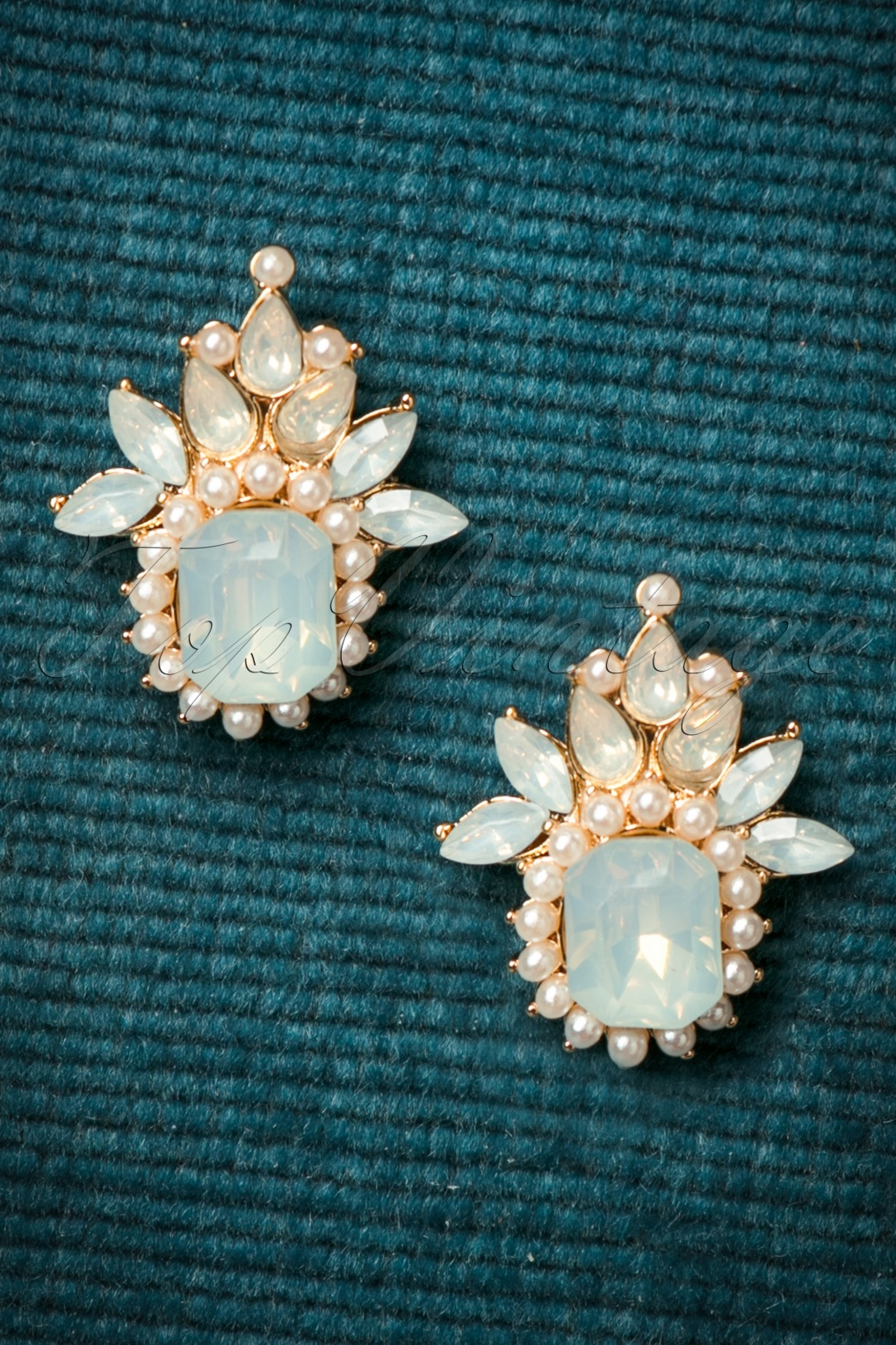 50s Jewelry: Earrings, Necklace, Brooch, Bracelet 50s Ice Queen Earstuds in Gold £10.55 AT vintagedancer.com