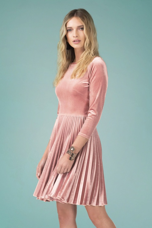 Closet London Sunray Pleated Velvet Dress in Blush 102 22 24453 20180109 0012
