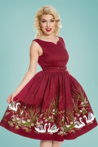50s Delta Swan Border Swing Dress in Wine