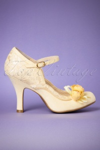 40s Silvia Pumps in Pastel Yellow