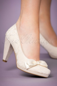 60s Susanna Pumps in Cream