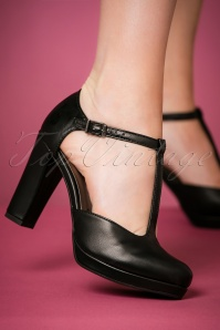 Tamaris Black Matt T strap Pumps 401 10 23427 model 25012018 004W