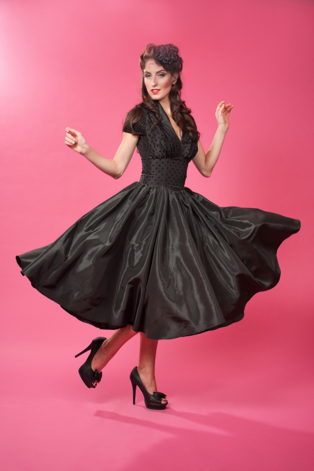 1950s Hollywood Taffeta Black Dot Petticoat Swing Dress