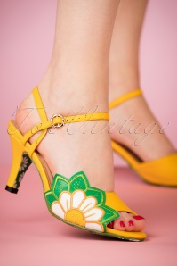 60s Crazy Daisy Peeptoe Sandals in Yellow