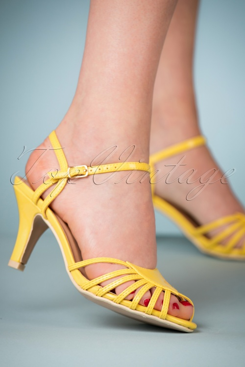 Dancing Days by Banned Amelia Yellow Sandals 420 80 24121 07022018 004W