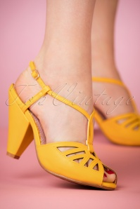 50s Aria T-Strap Pumps in Yellow