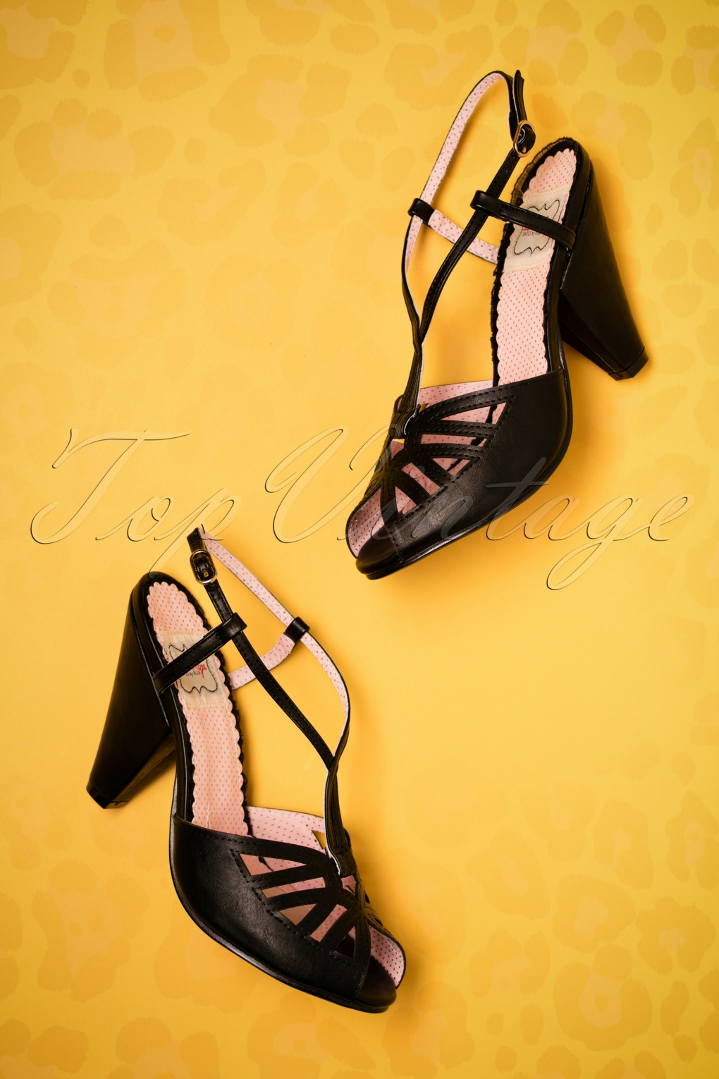 1950s Style Shoes 50s Aria T-Strap Pumps in Black £49.53 AT vintagedancer.com