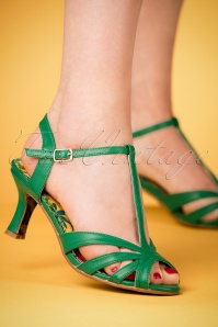 Bettie Page Layla Green Sandals 401 40 23556 07022018 002W