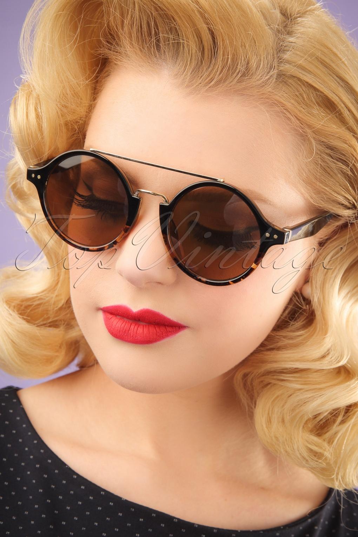 Unique Retro Vintage Style Sunglasses & Eyeglasses 70s Vintage Round Tortoise Sunglasses in Black £15.97 AT vintagedancer.com