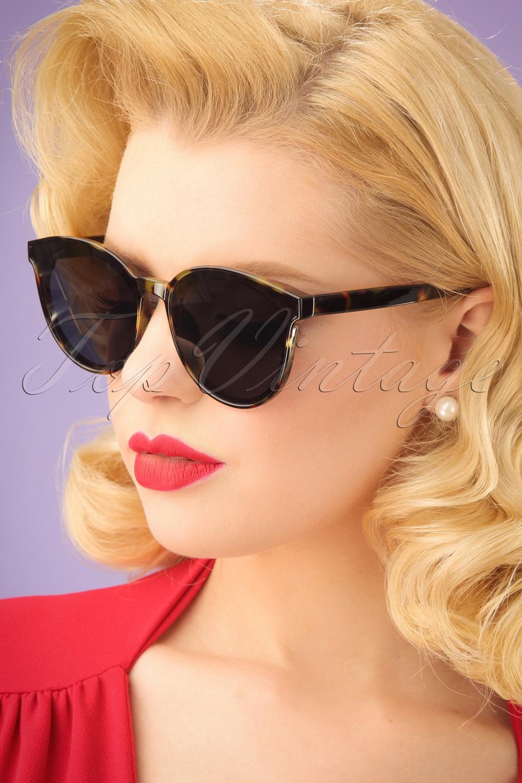 Unique Retro Vintage Style Sunglasses & Eyeglasses 60s Revival Tortoise Sunglasses in Black £26.25 AT vintagedancer.com