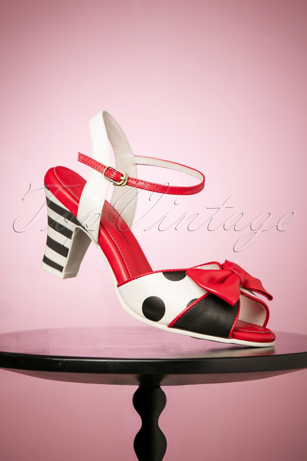 Vintage Style Shoes, Vintage Inspired Shoes 50s Ava All Hero Sandals in Black and White £124.41 AT vintagedancer.com
