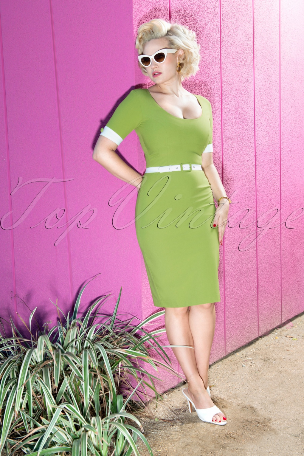 Pin Up Dresses | Pin Up Clothing 50s Annie Pencil Dress in Green £113.95 AT vintagedancer.com