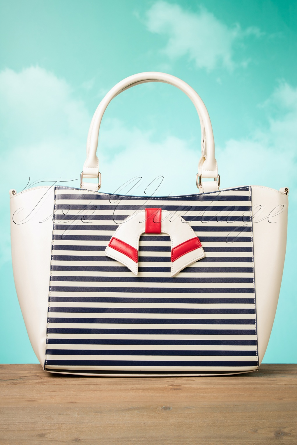 Vintage Sailor Clothes, Nautical Theme Clothing 50s Nautical Vibes Vintage Handbag in Cream £38.05 AT vintagedancer.com