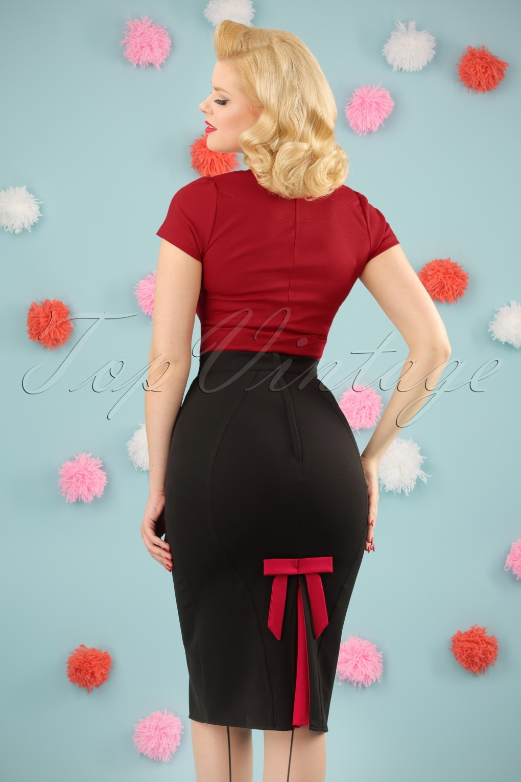 1950s Dresses, 50s Dresses | Swing, Wiggle, Pin Up Dresses TopVintage Exclusive  50s Frances Bow Pencil Skirt in Black and Red £50.31 AT vintagedancer.com