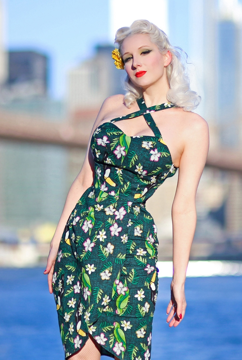 1950s Fashion History: Women's Clothing 50s Mahina Tropical Bird Sarong Dress in Green £48.28 AT vintagedancer.com