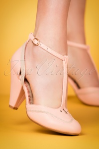50s Annalise T-Strap Pumps in Pink