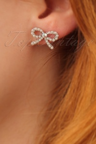 50s Pearl Bow Earstuds in Silver