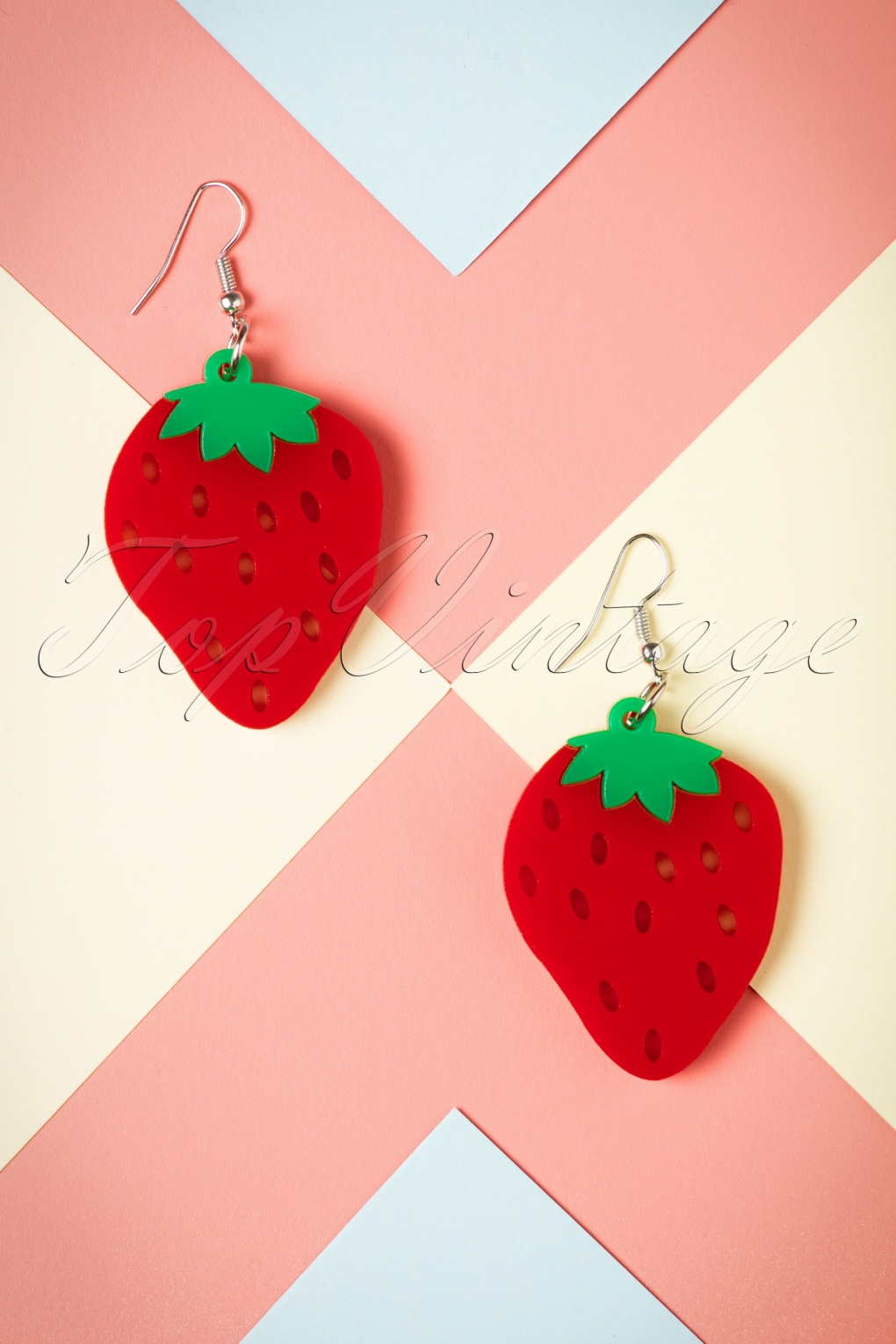 Strawberry clothing store website