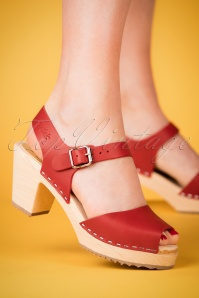Lotta from Stockholm 60s Red Clogs 421 20 23444 28032018 006W