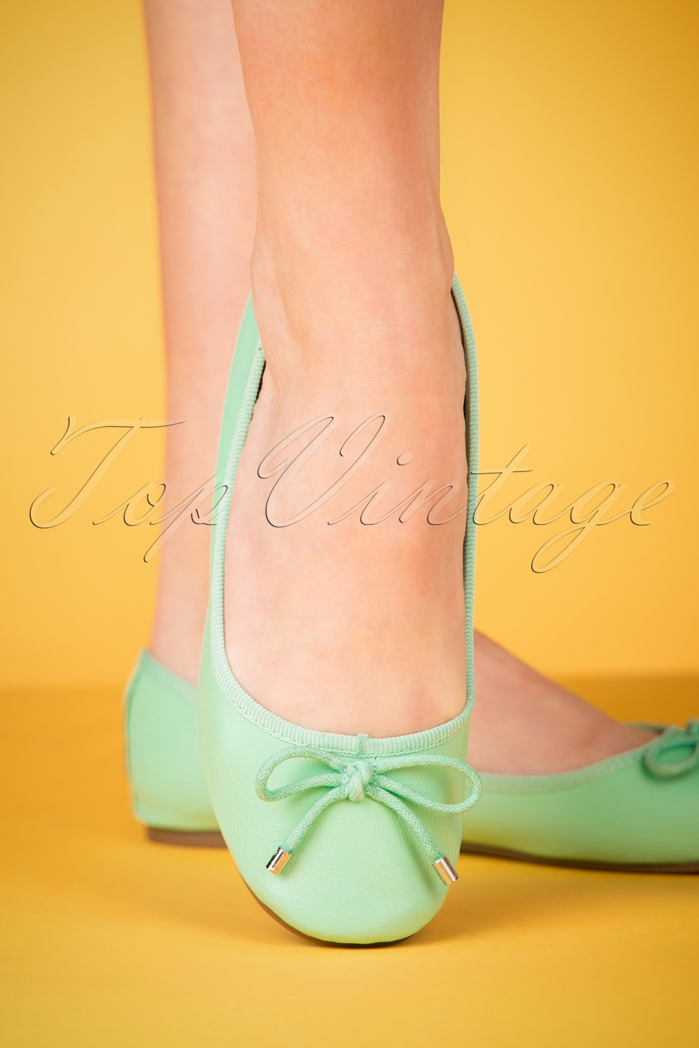 1950s Style Shoes 50s Dandelion Flexi Ballerinas in Mint £28.10 AT vintagedancer.com