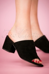 60s Sophie Suede Block Heel Sandals in Black