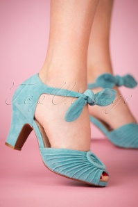 40s Loretta Suede Pumps in Sky Blue