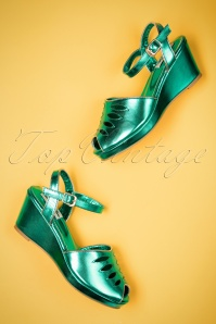 Lulu Hun Lily wedge in green 420 40 23780 18042018 005W