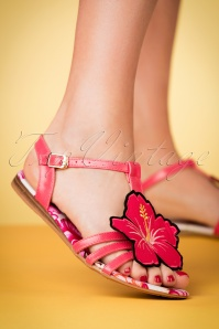 Lulu Hun 60s Lottie Hibiscus Sandals in Pink