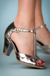 Lulu Hun Veronica sandals in silver 401 92 23777 25042018 010W