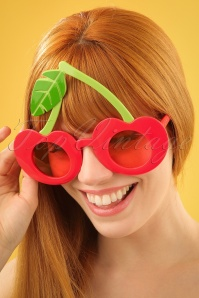 Sunnylife Cherry Sunglasses 260 20 24420 08052018 02W