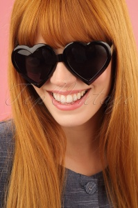 Glamfemme heart sunglasses in black 260 10 25812 1W