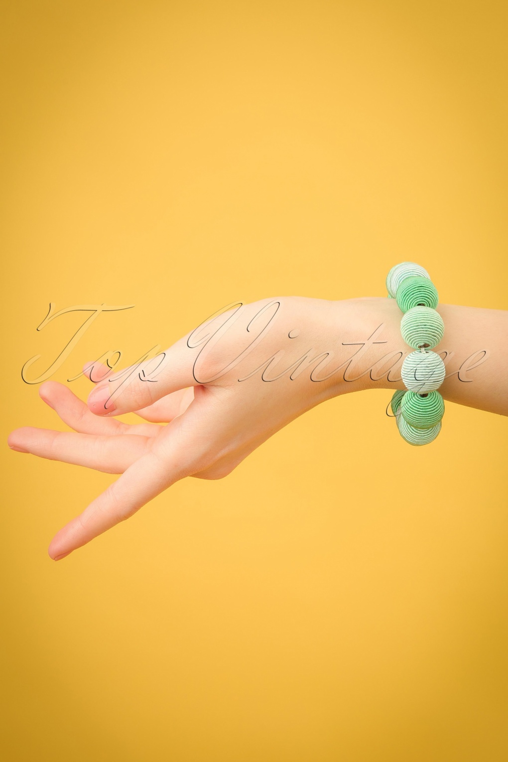 Vintage Style Jewelry, Retro Jewelry 60s Beauty and The Beads Bracelet in Mint £14.86 AT vintagedancer.com