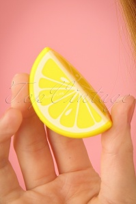 Sunnylife Lemon Lip Balm 520 80 24412 08052018 02W