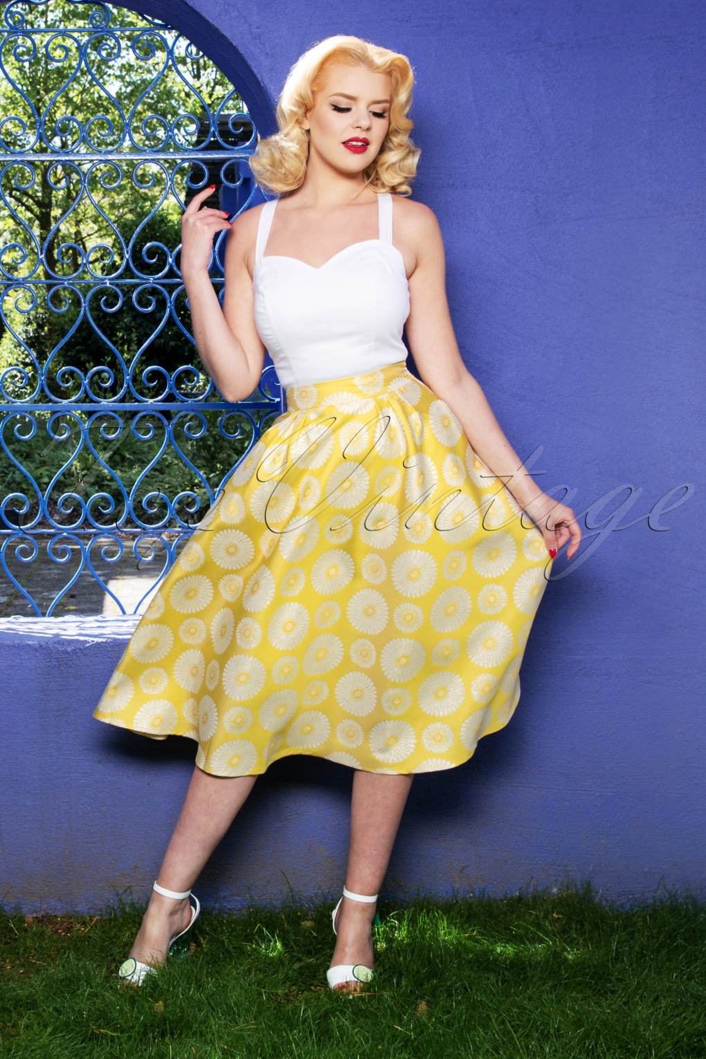 Retro Skirts: Vintage, Pencil, Circle, & Plus Sizes 70s Born To Shine Prom Skirt in Yellow £49.41 AT vintagedancer.com