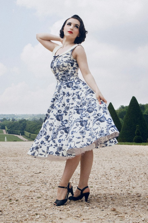 2e65b087b57e CleaDeVelours 17715a bewerkt cropped · Collectif Clothing Maddison Toile  Floral SWing ...