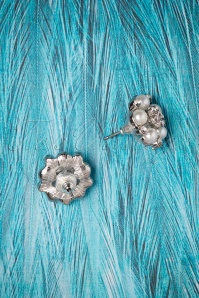 Lovely Audrey Post Earrings 330 51 26487 06252018 02W