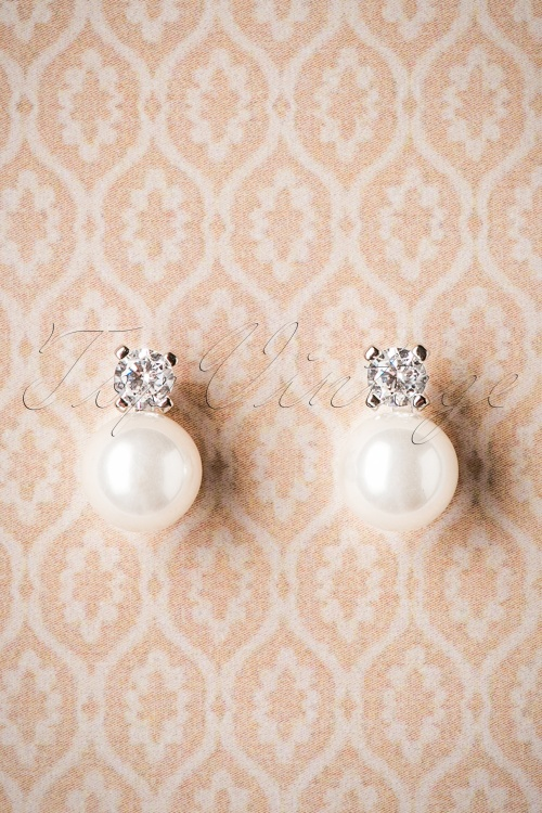 Celestine Pearl Earrings 330 50 26534 07112018 007W