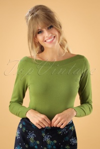 50s Audrey Cottonclub Top in Posey Green