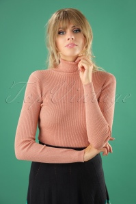 70s Rollneck Rib Lapis Top in Melba Pink