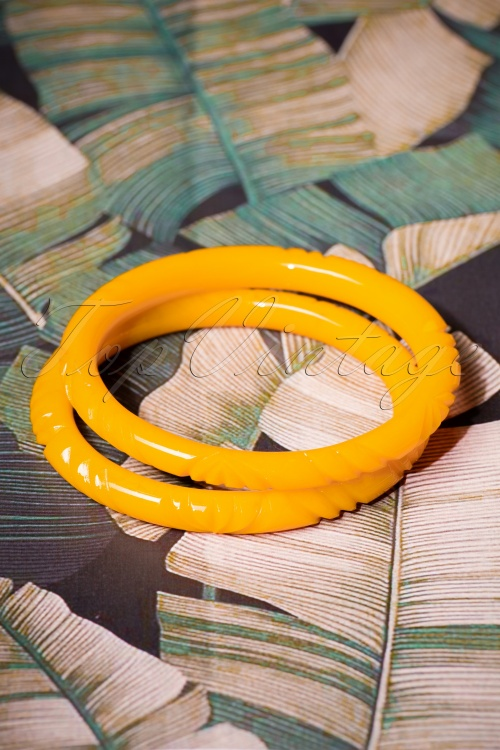Splendette Narrow Yolk Heavy Carve Fakelite Bangle set 310 80 26586 08092018 003W