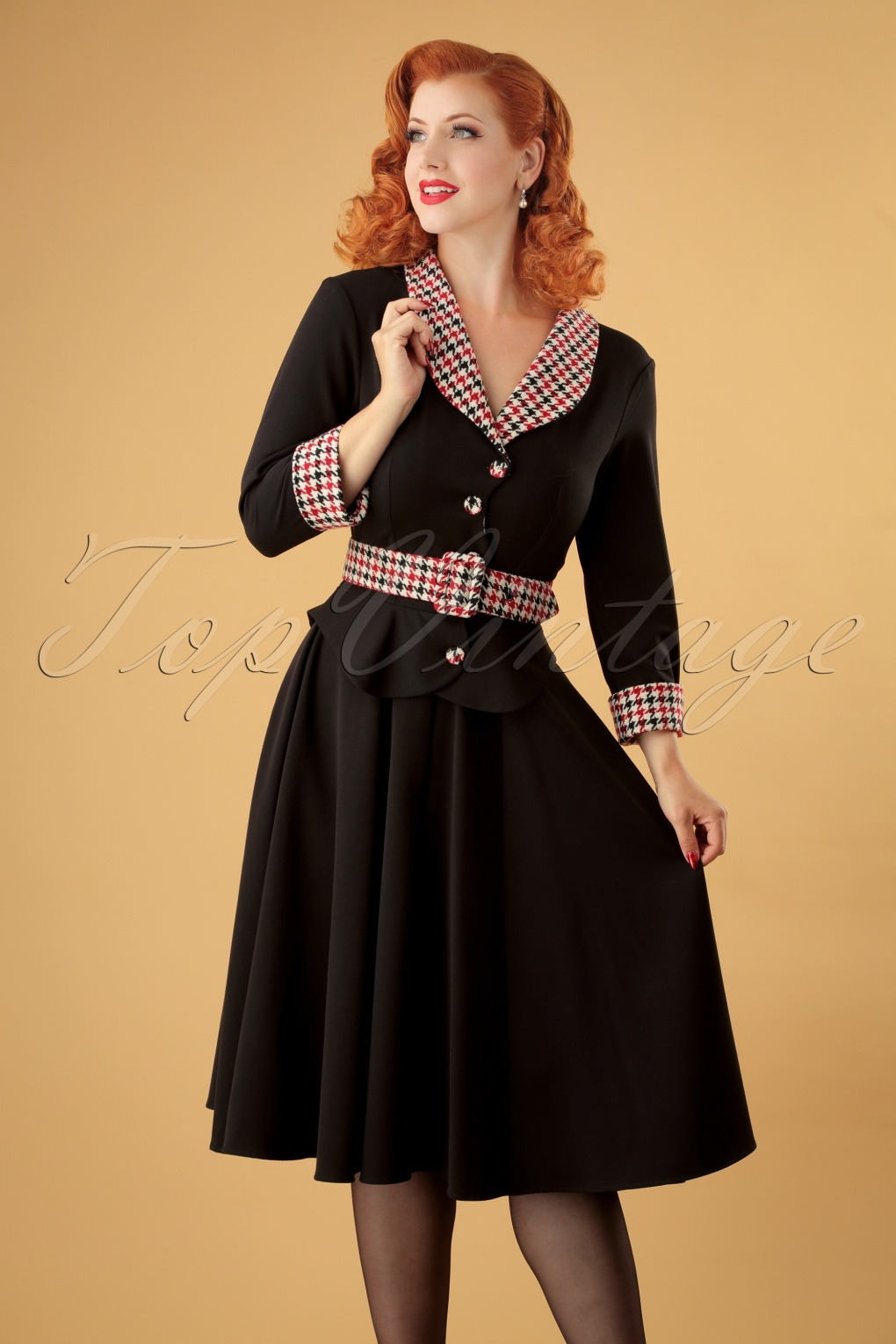 1950s Housewife Dress | 50s Day Dresses 50s Ambre Houndstooth Swing Dress in Black £98.49 AT vintagedancer.com