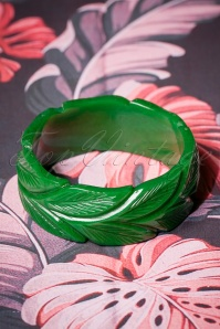 TopVintage Exclusive ~ Wide Forest Heavy Carve Bangle Années 40 en Vert